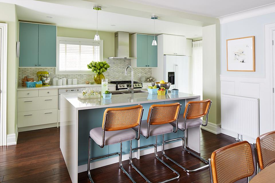 A designer ikea kitchen by sarah richardson ikan for Sarah richardson kitchen ideas