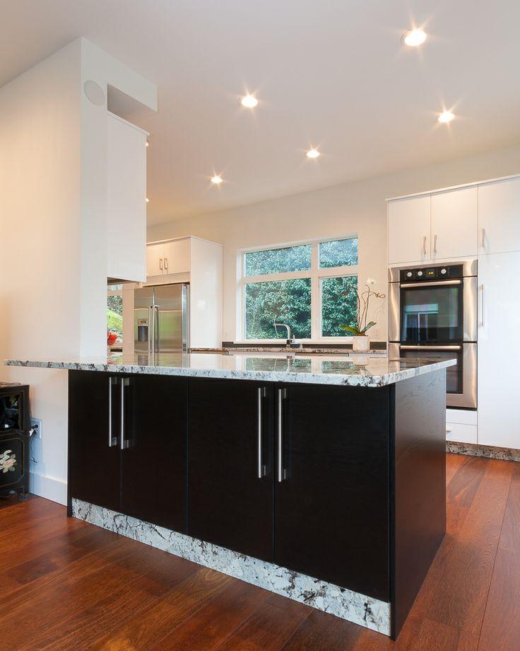 Designer black & white kitchen