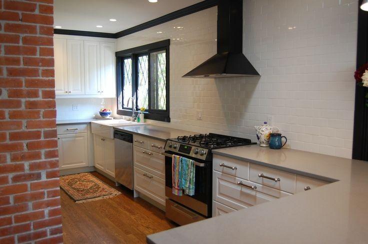 LIDINGO white with black appliances